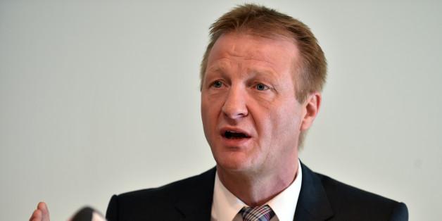 """NRW-Innenminister Ralf Jäger warnt: """"Wir dürfen Flüchtlinge nicht der Obdachlosigkeit überlassen"""""""