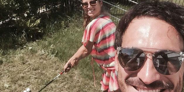Sie genießen den Sommer im Garten: Cathy und Mats Hummels