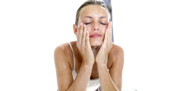 5324a69658f2 L acné chez l adulte  Prévention, traitements et solutions   Al ...