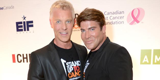Chris Hyndman (r.) mit seinem Lebensgefährten und Co-Moderator Steven Sabados bei einem Charity Event in Toronto