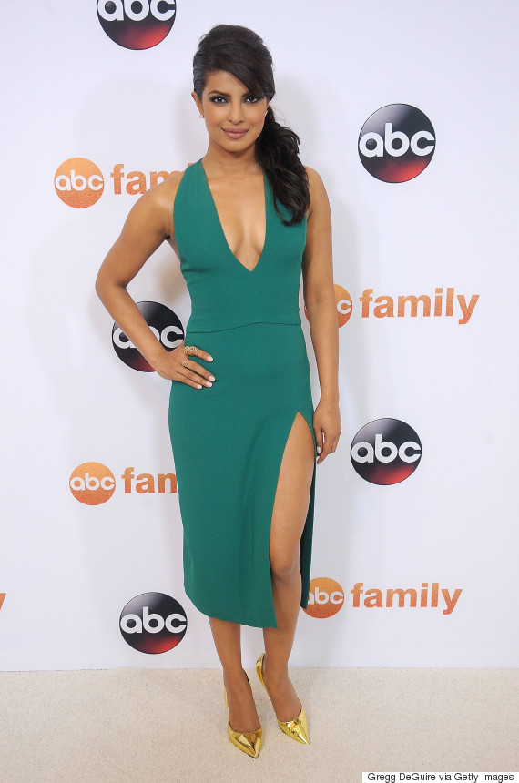 priyanka chopras green dress is the perfect amount of sexy