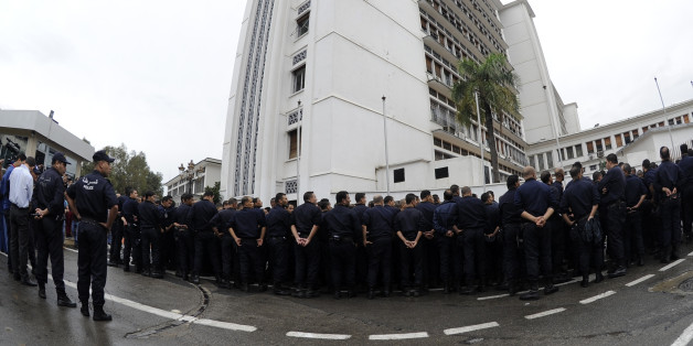 Octobre 2014, une manifestation sans précédent de policiers devant la présidence