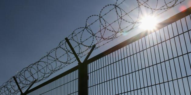 Ungarn will Flüchtlinge mit einem Zaun stoppen