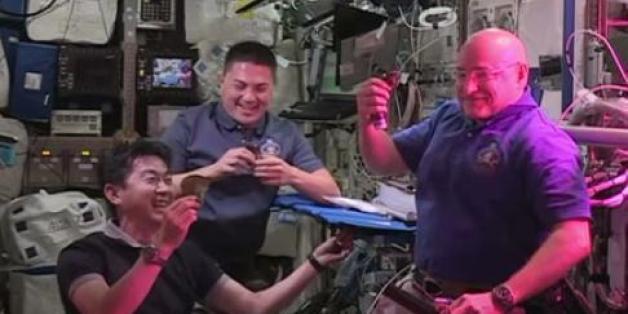 ISS-Astronauten verkosten zum ersten Mal Weltraumsalat