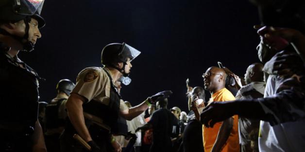 "Ferguson: un policier se vante de sa ""prime Michael Brown"""