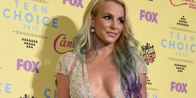 Britney Spears auf dem roten Teppich der Teen Choice Awards