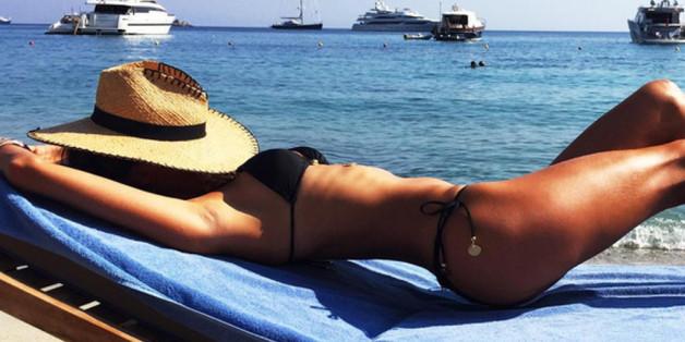 Alessandra Ambrosio lässt am Strand die Seele baumeln