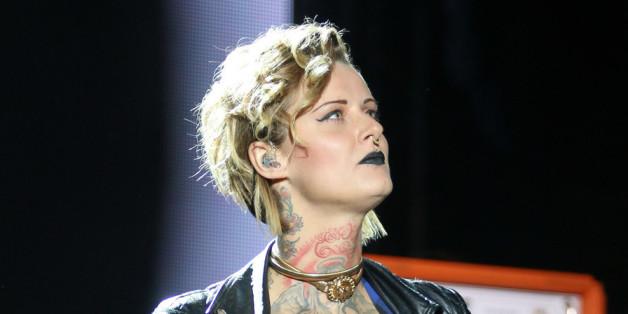 Jennifer Weist: Die Sängerin und ein Freund wurden überfallen