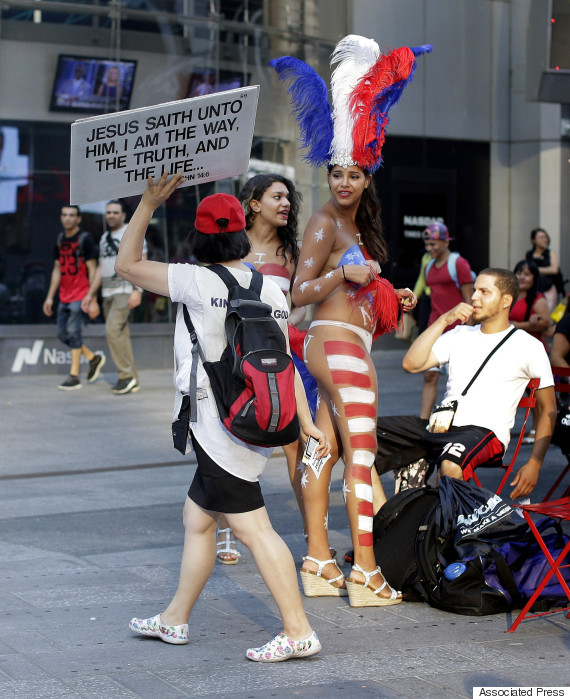 times square body painting