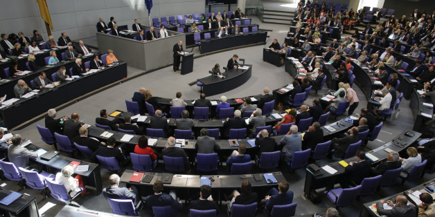 Lawmakers attend a debate  on the Greek financial crisis,  at the German parliament , the Bundestag ,  in Berlin, Wednesday, July 1, 2015. (AP Photo/Markus Schreiber)