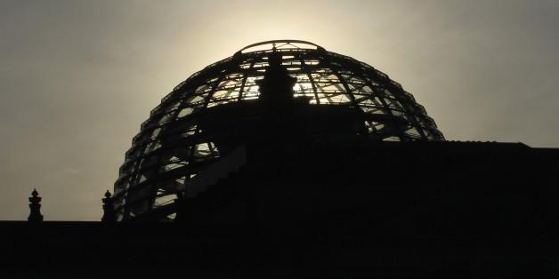 3 Zeichen, dass die Netzwerk-Panne des Bundestags eine Riesenblamage ist