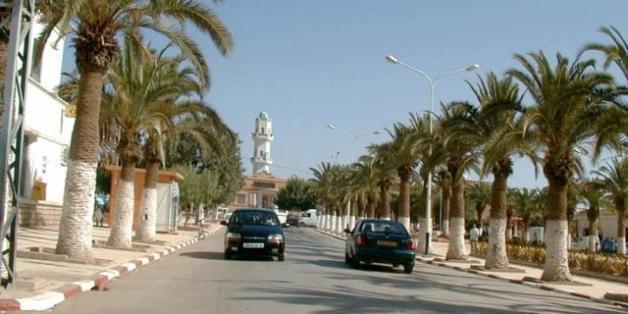 Une vue de Tighennif, au fond la mosquée centrale (archives)