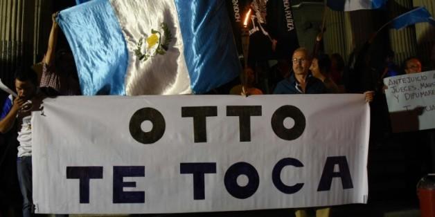 Des manifestants demandent la démission du président du Guatemala Otto Pérez, le 21 août 2015 à Guatemala