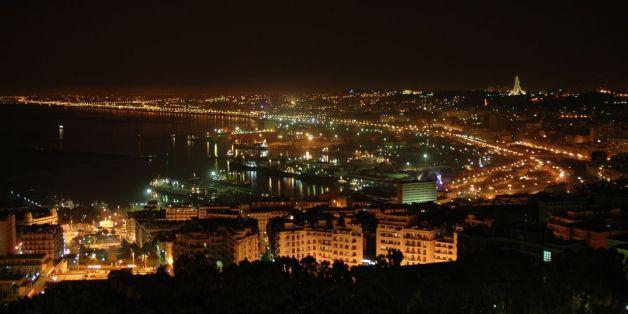 Les nuits d'Alger troublées par les pétards, fumigènes, feux d'artifices et trompettes