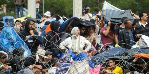 Des réfugiés et des migrants à la frontière gréco-macédonienne, le 22 août 2015 à Gevgelija