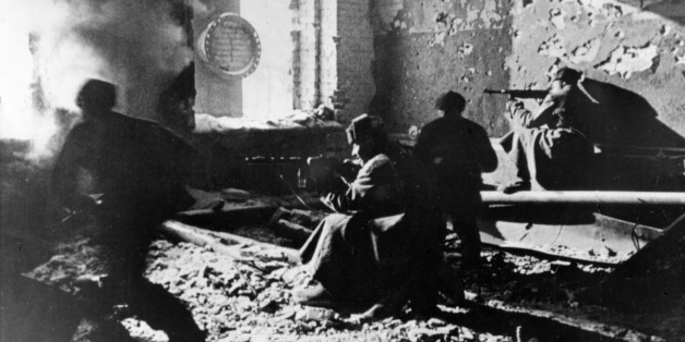 Red army soldiers fighting in ruins of krasny oktyabr (red october) works (factory), stalingrad, ussr, january 1943, world war 2. (Photo by: Sovfoto/UIG via Getty Images)