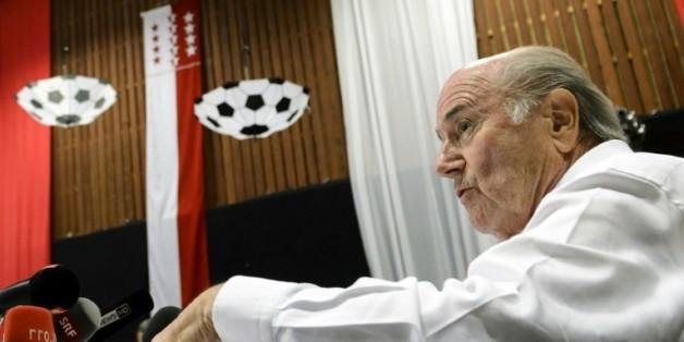 Le président démissionnaire de la Fifa Joseph Blatter en conférence de presse en marge du tournoi qui porte son nom, le 22 août 2015 à Ulrichen en Suisse