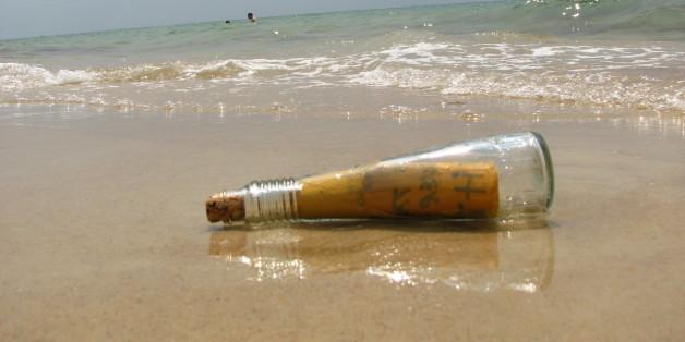 Une bouteille à la mer est retrouvée 108 ans plus tard sur une plage de la mer du Nord