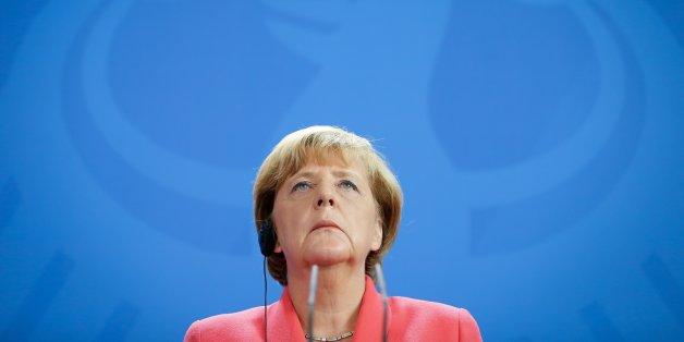 3 Gründe, warum Merkels Besuch im Flüchtlingsheim 2 Monate zu spät kommt