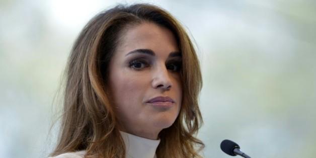 La reine Rania de Jordanie à l'ouverture de l'université d'été du Medef à Jouy-en-Josas, près de Paris, le 26 août 2015