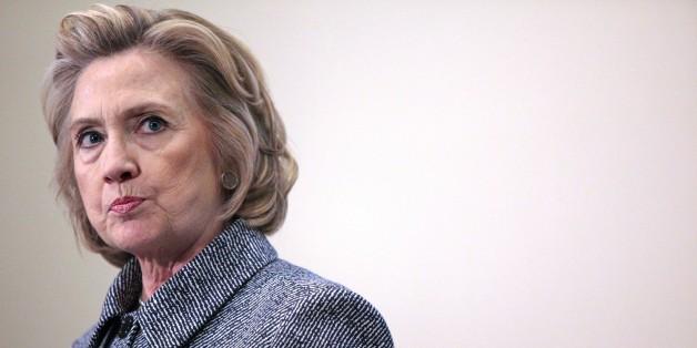 Hillary Clinton hat erstmals Fehler in der E-Mail-Affäre eingeräumt