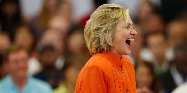 """Clintons E-Mail-Affäre: """"Muss ich das iPad aufladen?"""""""