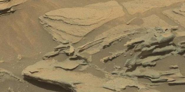 "NASA image showing the ""floating spoon"" on Mars."