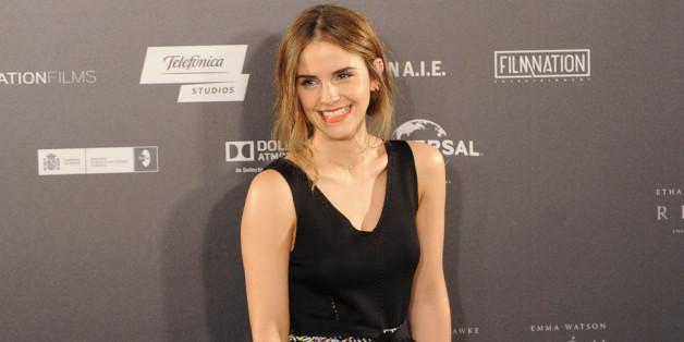 Emma Watson in grüner Mode auf dem roten Teppich