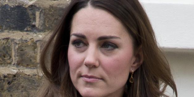 Mit Sicherheit eine schockierende Nachricht für Herzogin Kate: Die von Catherine geschätzte Designerin Debra Reiss ist tot