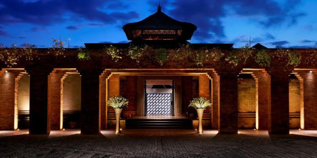 Der Eingangsbereich des neuen Luxusresorts Mandapa auf Bali
