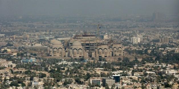 Photographie de la ville de Badad et de la mosquée d'al Rahman, le 9 décembre 2014