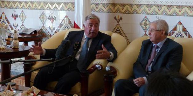 Le président du sénat français Gerard Larcher avec son homologue algérien Abdelkader Bensalah