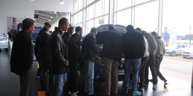 A Oran, chez un concessionnaire Renault, on ausculte la Symbol!