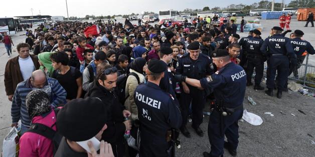 Wegen Flüchtlingsansturm: Österreich sperrt Grenzübergang zu Ungarn