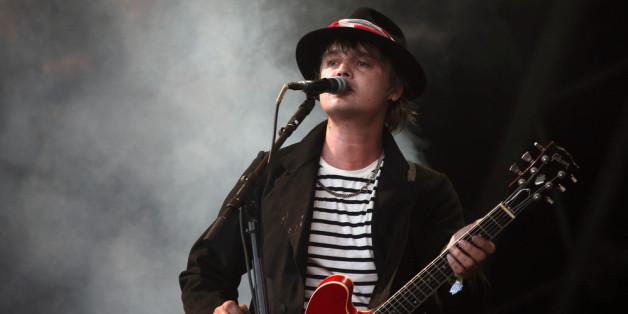 Pete Doherty bei einem Auftritt seiner Band The Libertines auf dem Glastonbury Festival 2015