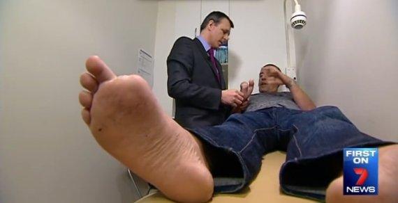 toe hand