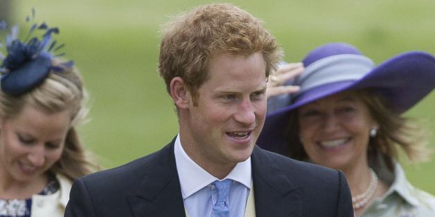 Prinz Harry erschien allein bei der Hochzeit eines Freundes
