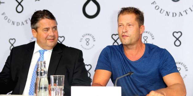 """Vizekanzler Sigmar Gabriel und Til Schweiger auf der Pressekonferenz zur Gründung der """"Til Schweiger Foundation"""""""