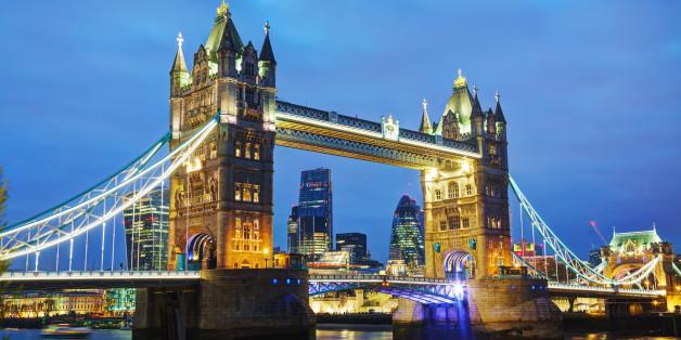 Tower bridge in London, Great Britain in the night