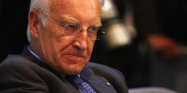 Edmund Stoiber macht Stunk gegen Merkel