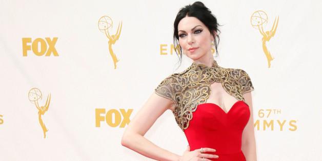 Laura Prepon auf dem roten Teppich der Emmy-Verleihung.