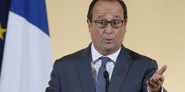 French president Francois Hollande delivers a speech during the launch of the 'Grande Ecole du Numerique' (The Great Digital School), during a reception at the Elysee Palace in Paris, France, Thursday, Sept. 17, 2015. (Ian Langsdon/Pool Photo via AP)