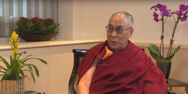 """Le dalaï-lama souhaite que la femme qui lui succède soit """"très séduisante"""""""