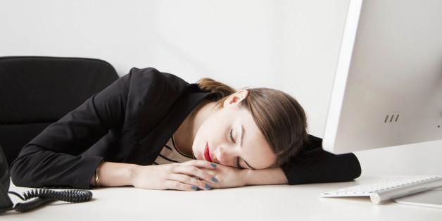 Was tun wenn die Müdigkeit am Schreibtisch zu groß wird? Frische Luft und Bewegung helfen.