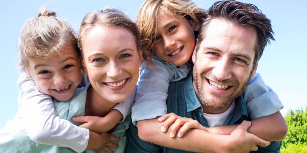 Αποτέλεσμα εικόνας για Ήρεμοι γονείς σημαίνει ευτυχισμένα παιδιά