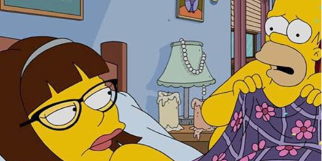Lena Dunham wacht neben Homer Simpson auf
