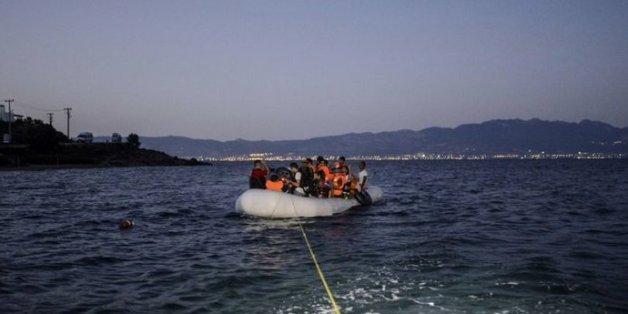 Une embarcation de migrants au large de Bodrum