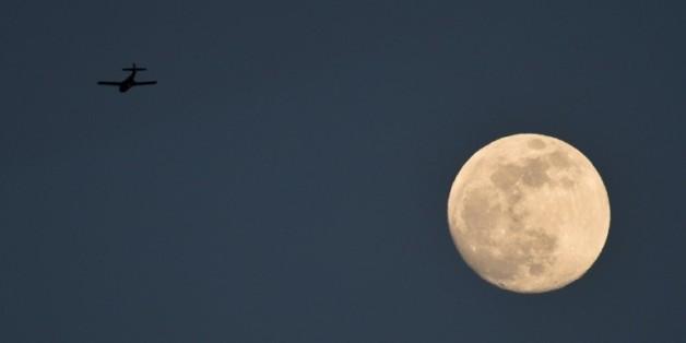 La lune vue depuis Cali le 26 septembre 2015 en Colombie