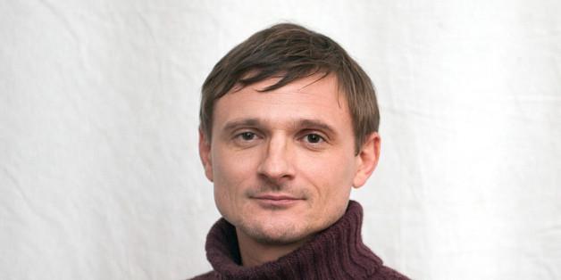 """Florian Lukas spielt """"Martin Kupfer"""" in """"Weissensee"""""""