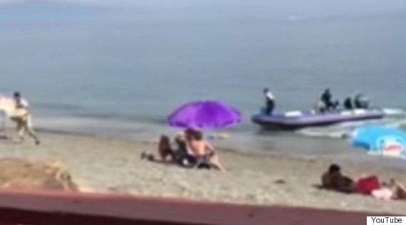 Costa Del Sol: Brazen Drug Traffickers Unpack £6m Haul Of Cannabis In Front Of Sunbathing Tourists